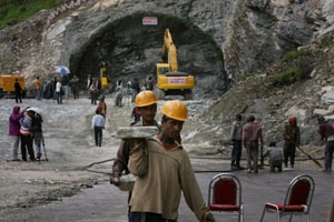 Working 24X7 to see light at the end of Rohtang tunnel