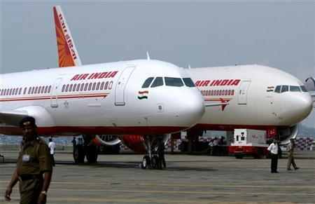 Air India loses Rs.100 crore due pilots' strike
