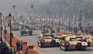 India hikes defence spending by 10 percent