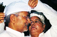 Political compulsions force Lalu to accept Nitish