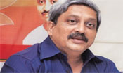 Need to be vigilant in present security environment: Parrikar