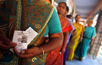 Millions vote in Kerala; Chandy, Left confident