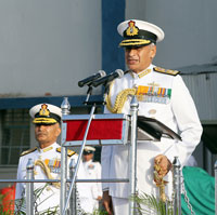 Vice Admiral Girish Luthra takes charge of Western Naval Command