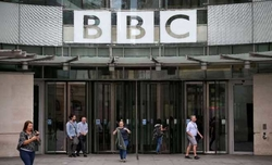Hong Kong replaces BBC with Chinese state radio