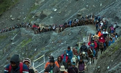 First batch of Amarnath pilgrims leave for Kashmir