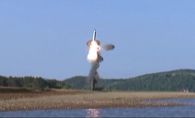 N. Korea test-fires new missile from submarine