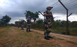 B'desh shuts mobile services in areas along Indian border