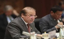 Pak court issues bailable warrants for Sharif