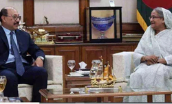 Indian Foreign Secretay travels to Dhaka, meets Bangladesh PM