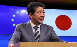 Abe announces resignation over health concerns