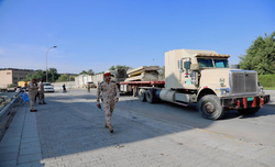 Iraqi PM slams armed groups approaching Baghdad's Green Zone