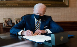 Biden offers tax concession in infrastructure talks with Republicans