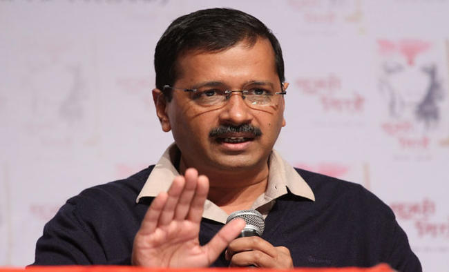 Delhi CM urges Harsh Vardhan to increase beds in Centre's hospitals